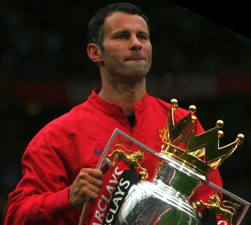 Top 5 Soccer Superstars who never played in a World Cup, ryan giggs, manchester united, midfielder, legend