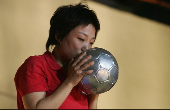 Top 10 Famous Female Soccer Players of All Time, best female soccer player, famous footballer women soccer, sun wen