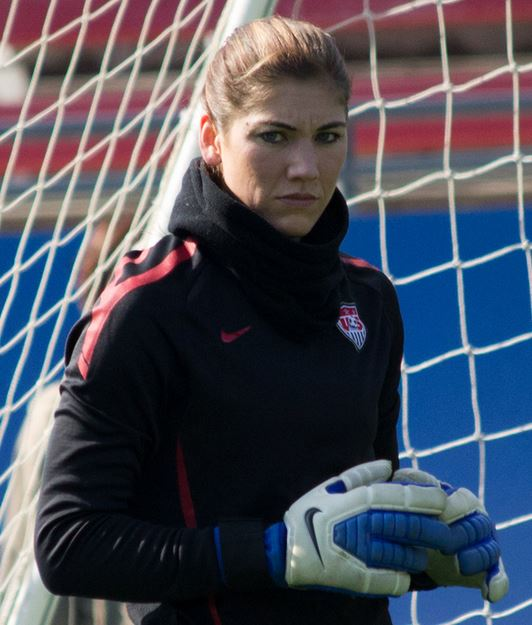 Top 10 Highest Paid Female Soccer Players 2015, most paid, top paid, attractive, Hope Solo