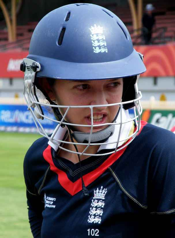 Top 10 best women cricketers of the world 2015, Sarah Jane Taylor