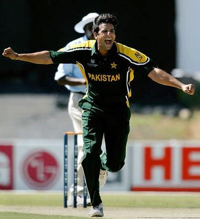 Top 10 Bowlers with Most Wickets in ODI Cricket History, Wasim Akram