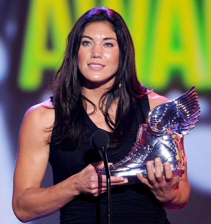 Top 10 Best Female Soccer Players of all time, Hope Solo