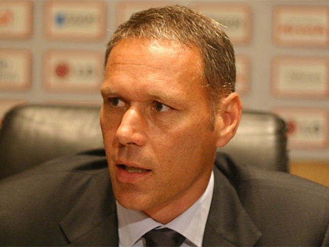 marco van basten, all time football legends,  best retired football players, retired footballers,  top 10 soccer legends, list of best footballers in the world, list of soccer legends