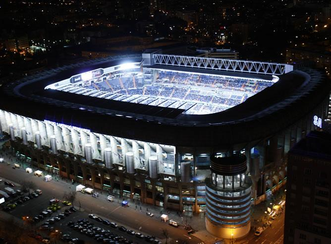 santiago bernabeu stadium at night, top 10 best football stadiums,10 best football stadiums in the world, world best football stadiums, best football stadium in world
