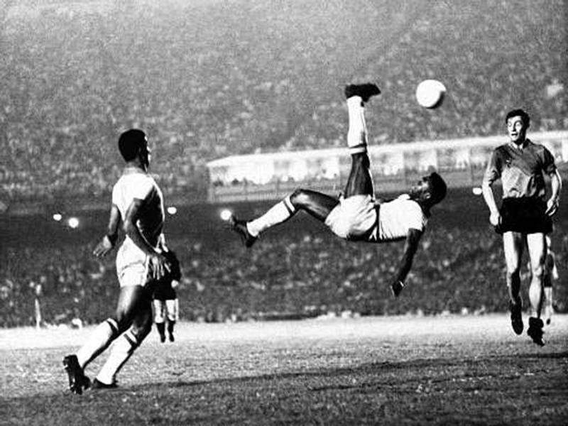pele, all time football legends,  best retired football players, retired footballers,  top 10 soccer legends, list of best footballers in the world, list of soccer legends,  brazil football player name, pele brazil,  footballer pele