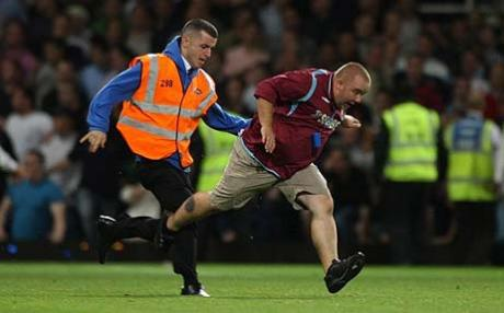 West Ham vs. Millwall clash 2009, english premier league rivalries, premier league rivalries, english football rivalries