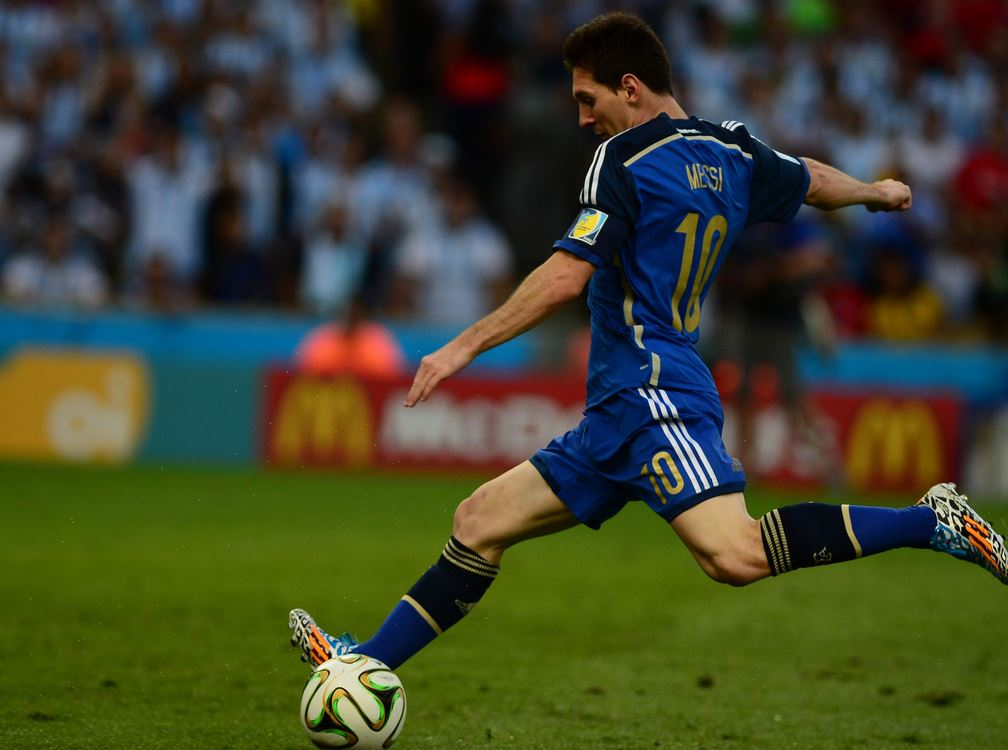 Top 10 Best Active Free Kick Takers in Soccer, lionel messi free kick, argentine star, barcelona all time legend