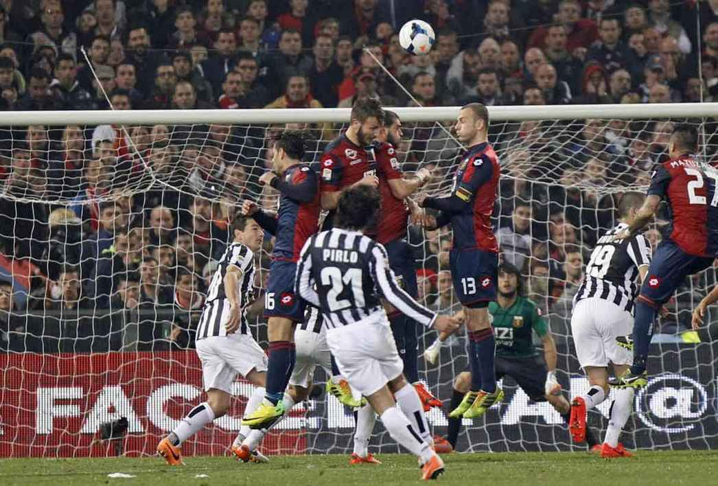 Top 10 Best Active Free Kick Takers in Soccer, andrea pirlo free kick, Italian midfielder