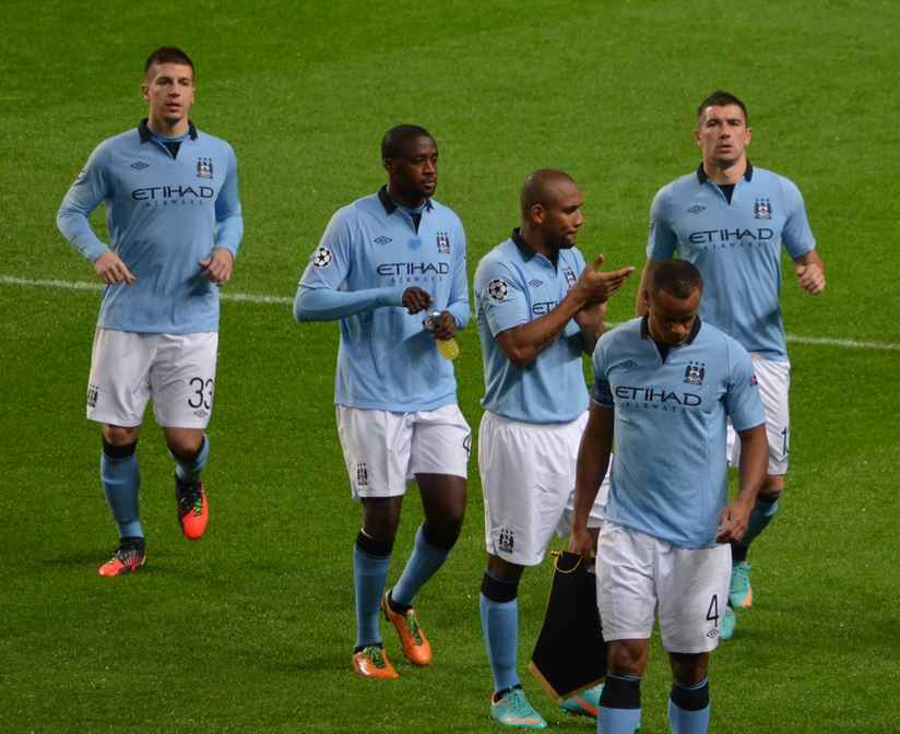 Top 10 Best Active Free Kick Takers in Soccer, yaya toure free kick, man city mid,