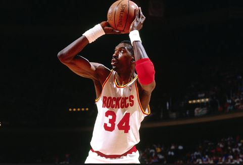 Top 10 Best NBA Players of All Time, Hakeem Olajuwon, famous NBA player