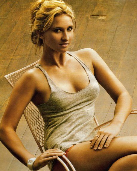 Top 10 Hottest Female Tennis Players of all time, Tatiana Golovin