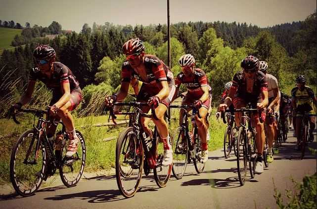Top 10 Highest Paying Sports in the World 2015, CYCLING