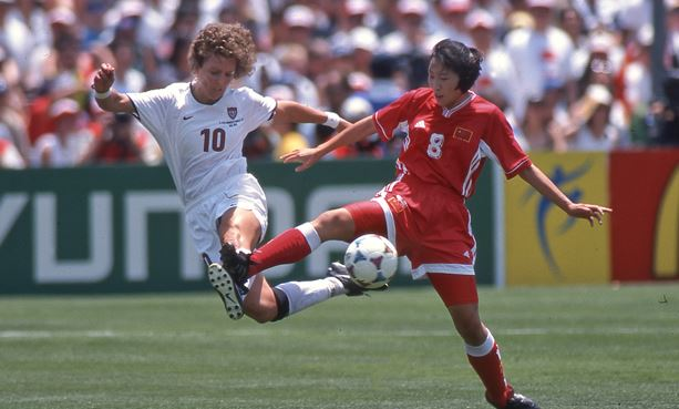 Top 10 Best Female Soccer Players of all time, Michelle Akers