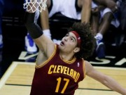 NBA Champion Golden State Warriors, Varejao in action