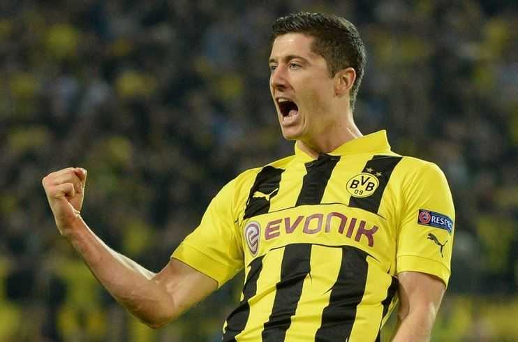 Robert Lewandowski, best stricker, young football player