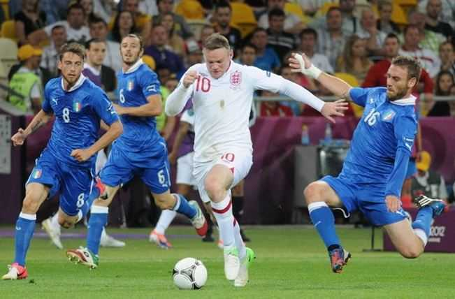 Wayne Rooney in action, england football team